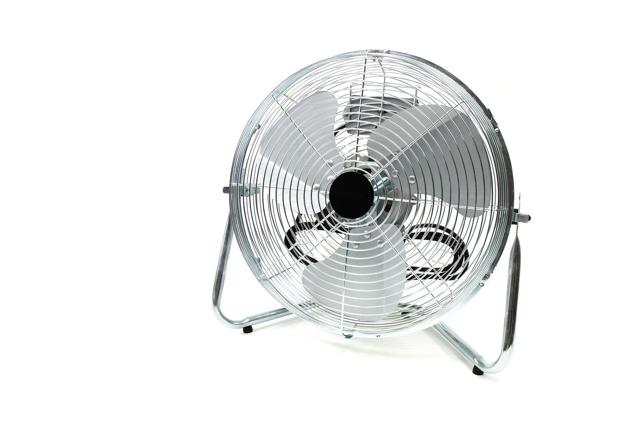 Warm weer ventilator óf toch de airco